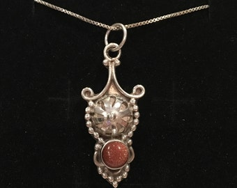 Gorgeous Vintage Sterling Silver and GOLDSTONE Pendant-Stunning UNUSUAL Design-46cm (18 inch) ITALIAN Sterling Silver Box Chain