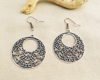 Kit encircled heart filigree earrings - silver black A22253