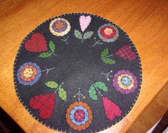 Penny Rug Candle Mat 12 inch Valentine Hearts and Flowers