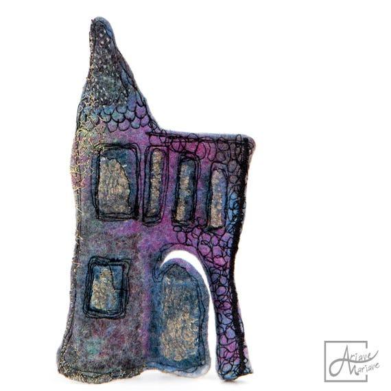 Felt Art Enchanted House Sculpture. Embroidery fiber art orignal and authentique. Piece unique for home decor. Collectible art.