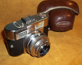 Vintage Voigtlander Vitomatic I  35mm viewfinder Camera with field case, made in Germany