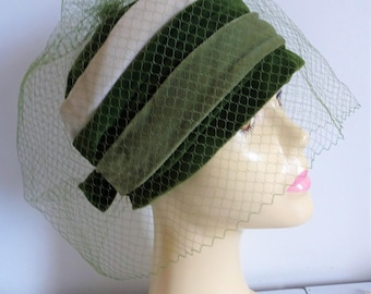 VINTAGE Ladies Hat 1950's Three Shade Velvet Pill Box with matching full veiling with Bow Back