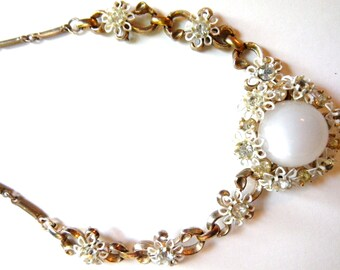 Moonglow Lucite Necklace Vintage 50s White Lucite Flowers