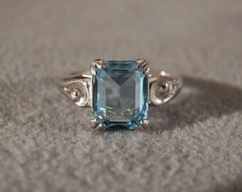 Vintage Sterling Silver Rectangle Blue Topaz Scrolled Design Band Ring, Size 6       M     **RL