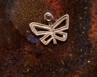 Tiny Butterfly vintage sterling silver charm tiny pendant or keychain charm