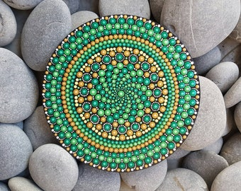 Green Mandala Art Painting - Dot Art - Painted Wood - Hand-Painted Meditation Mandala Rock - Home Decor - Chakra Painting - Paint Rock