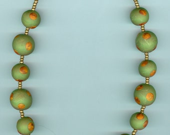 """Handmade necklace, handmade polymer beads with gold glass spacer beads. Green, gold. L: 17"""""""