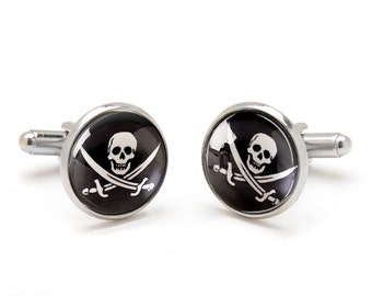 Skull and Swords Cufflinks - Pirates Cufflinks - Cool and Unique Gifts for Men - Jewelry for Men - Gift for Boyfriend - Novelty Cufflinks