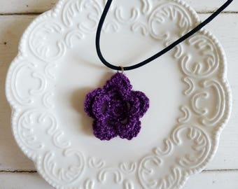 Crochet rose pendant, crochet necklace, crochet jewelry, Irish rose crochet, ultra violet, cute necklace, gift idea, ready to ship