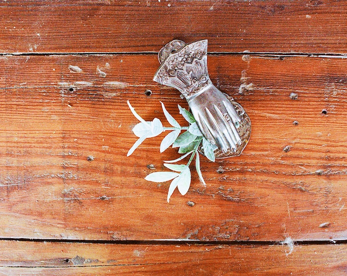 Vintage Silver Hand Clip // Wall Hanging