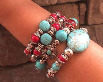 Beaded bracelet set. Conjunto de 4 pulseras elásticas.