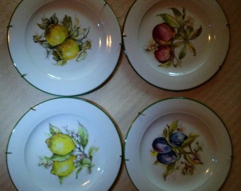 Porcelain hand painted vintage plates made in Italy (Set of Four)