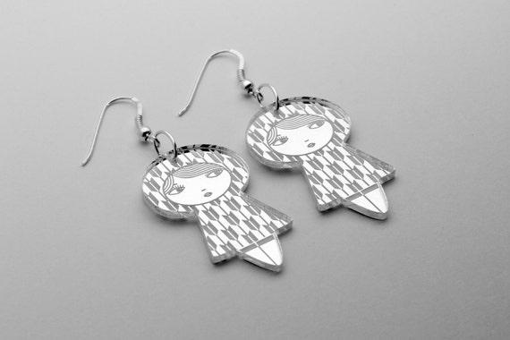 Yagasuri doll earrings - cute matriochka jewelry - kawaii kokeshi jewellery - sterling silver findings - lasercut mirror acrylic - graphic