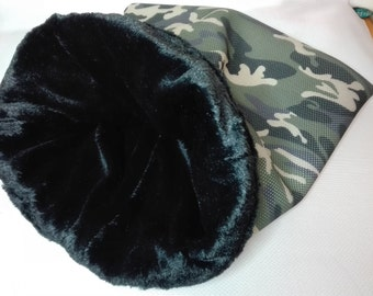 Sleeping bag for dogs, cats, Airmesh and plush, camouflage and black, turning sleeping bag