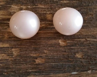 Free Shipping, Vintage dome earrings, screwback, pink