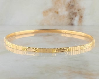 22K Yellow Gold 2.7mm Wide Etched Bangle Bracelet - 10.0 grams