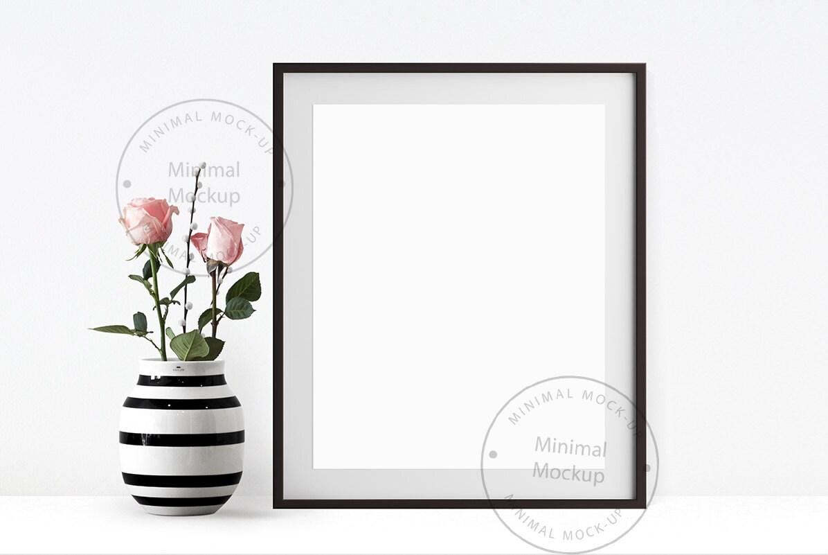 Frame-Mockup 8 x 10 schwarzen Rahmen Mock-up Rosen