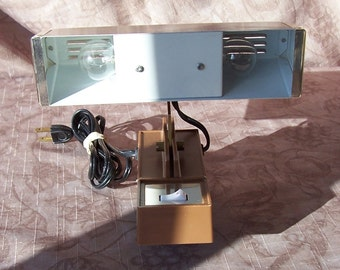 Vintage metal bed light.  C2-491-0.