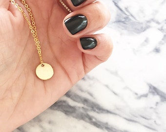 Gold disc necklace - Tiny disc necklace - Minimalist jewelry - Dainty jewelry - Simple necklace - Dot charm necklace - Celebrity inspired
