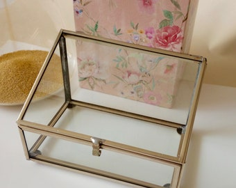 Made to Order:   1 Glass Ring Bearer or Glass Trinket Box Silver or Gold