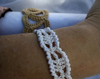 Bracelet, white beige off-white 100% cotton and steel clasp