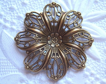 Antique brass filigree  flower  petal setting, lot of (1)  - MK167
