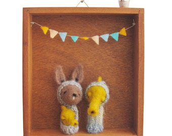 Nursery Wall Art / Kid's Room Decor, Needle Felted Kangaroo and Seahorse Finger Puppets in a Vintage Box, Eco Friendly Toy, Wall Hanging