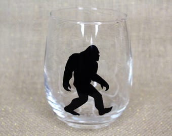Sasquatch Wine Glass / Squatch / Bigfoot Lovers / Big Foot / Squatch Hunting / Finding Bigfoot / Sasquatch Costume / Sasquatch Gifts