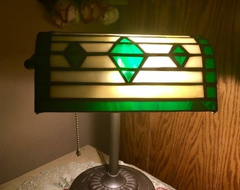 Stained glass bankers lamp