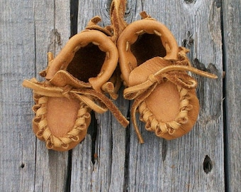 Handmade leather baby moccasins , soft baby shoes , infant moccasins
