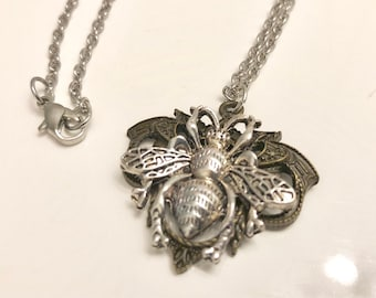 Ornate Bee Necklace