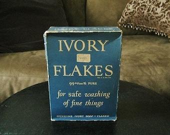 Antique 1920's Procter & Gamble Ivory Flakes, 13 oz.