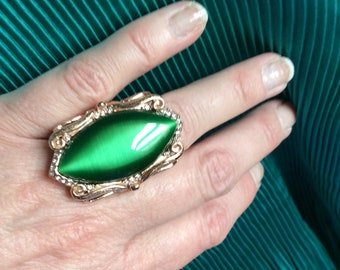 Simulated green cats eye ring