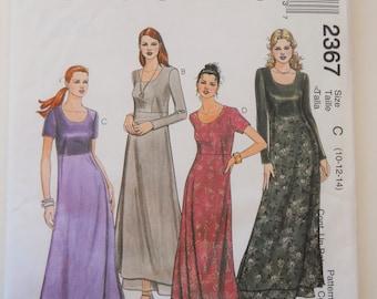 McCall is naaien patroon 2367 missers jurk in maat 10, 12, 14. A-lijn jurk