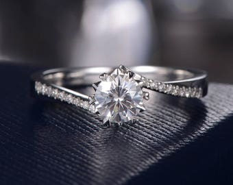 Flower Moissanite Engagement Ring Forever One Moissanite Ring White Gold Unique Solitaire Curved Band Half Eternity Wedding Promise Gift