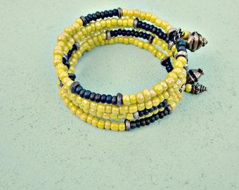 Jaune et gris verre réglable Memory Wire Bracelet manchette argent aux accents rustiques : Olive