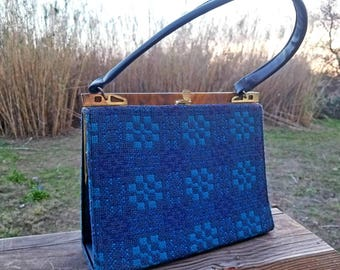 Vintage Unique Blue Woven Knit Handbag w/Bakelite