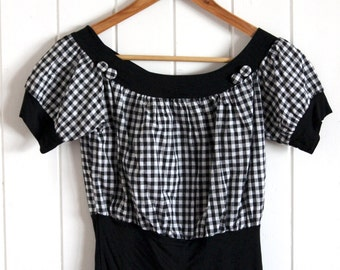 Cute black and white checkered crop top