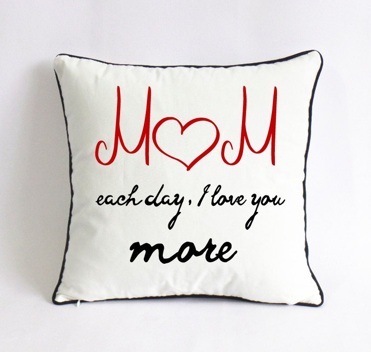 momeach day i love you more pillow-mothers day cushion-mom