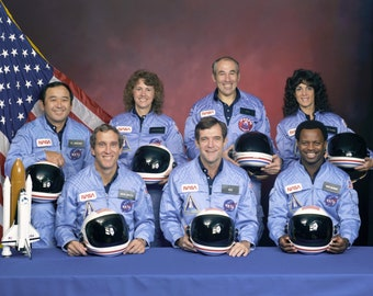 Challenger Crew 8 x 10 / 8x10 GLOSSY Photo Picture
