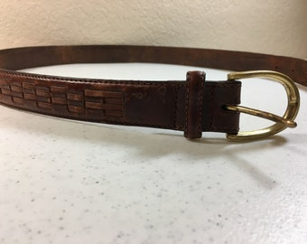 Vintage Dark Brown Leather Belt with Solid Brass Buckle Belt is 1.25 Inches Wide Buckle is 1.5 Inches Wide Fits 32 to 36 Inches