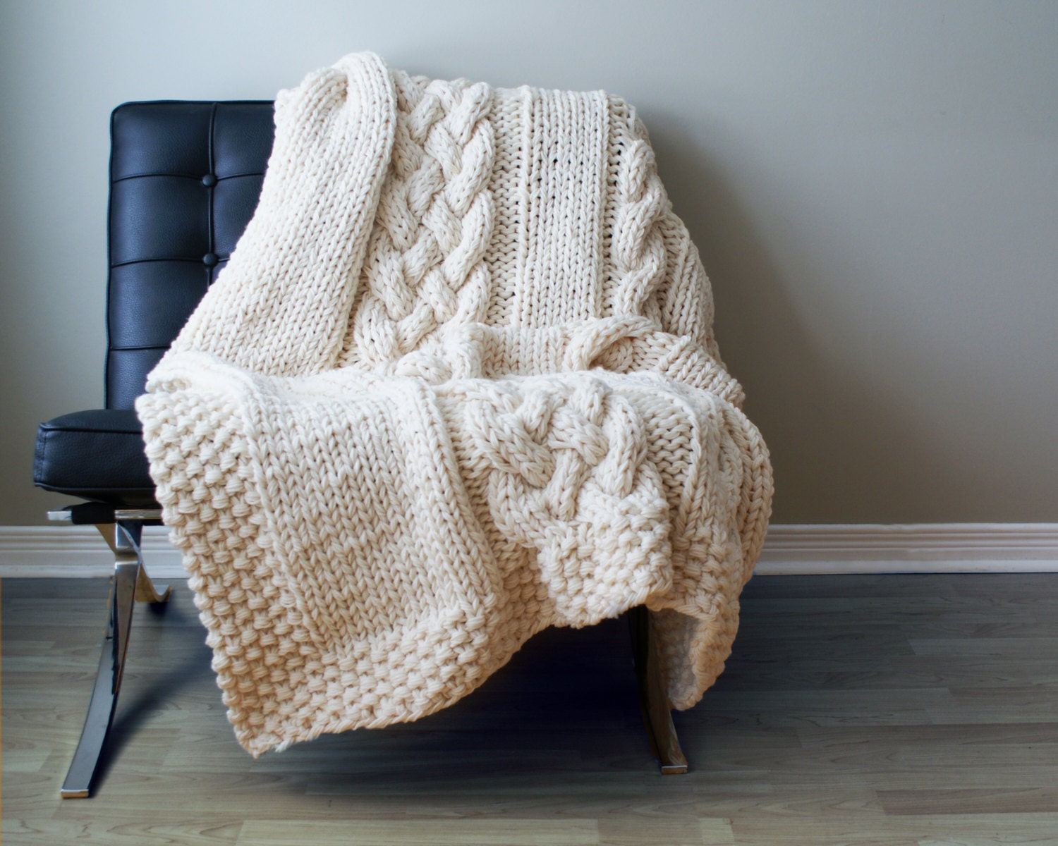 Diy knitting pattern throw blanket rug super chunky double zoom bankloansurffo Choice Image