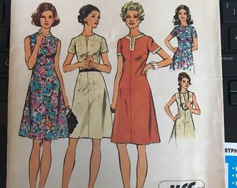 Vintage 60s Simplicity 6079 Dress Pattern-Size 14 1/2 (37-30-39)
