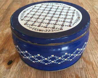 Valleybrook Farms Plain and Fancy Cookie Tin