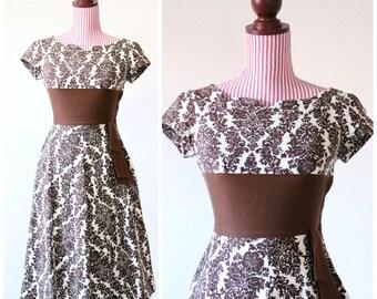 Vintage 1950s Dress / 50s Dress / Chocolate / Cotton / XSMALL