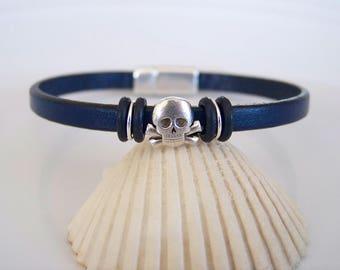 Leather Skull and Crossbone Focal Bracelet - Item R6294