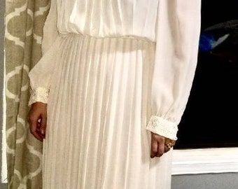 1970s Opaque Ivory Accordian Pleated Wedding Dress With Lace Detail