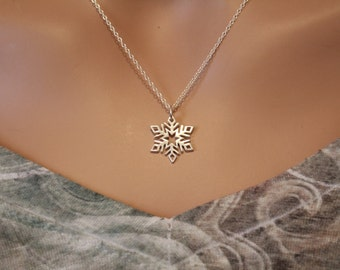 Sterling Silver Snowflake Necklace, Silver Snowflake Charm Necklace, Winter Snowflake Necklace, Snowflake Necklace, Unique Snowflake