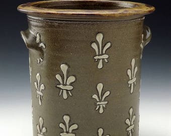 Fleur De Lis Slip Trailed Celadon Crock - Kitchen Utensil Holder