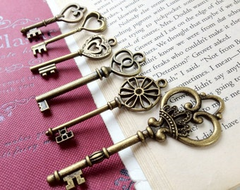6 Pieces of Antiqued Bronze Key Charm of Assorted Patterns (a.i)
